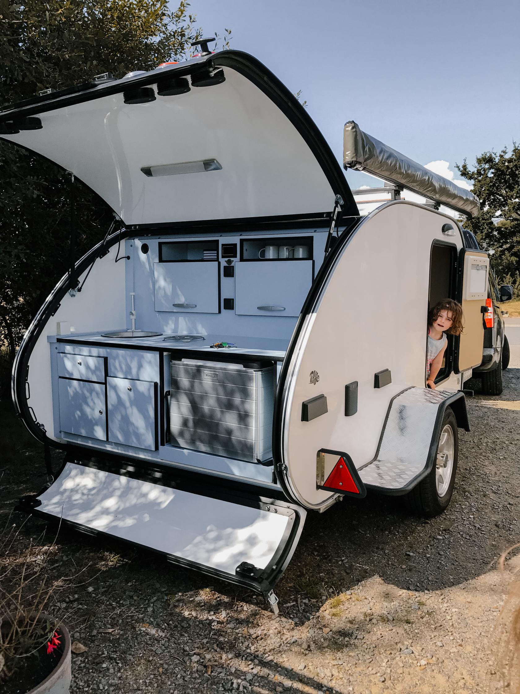 mini caravane tear drop hercule la grande ourse. Black Bedroom Furniture Sets. Home Design Ideas
