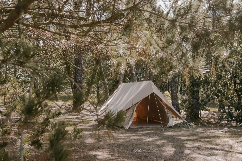 location de tente en coton 6 places la grande ourse. Black Bedroom Furniture Sets. Home Design Ideas